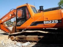excavadora Daewoo DH225-7