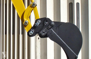GODETS ET ATTACHES POUR ENGINS TP new track excavator