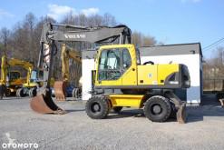 Excavadora Volvo 180 B excavadora de ruedas usada