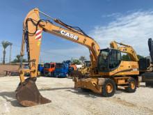 Escavatore gommato Case WX210