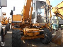 Liebherr A900 excavator pe roti second-hand