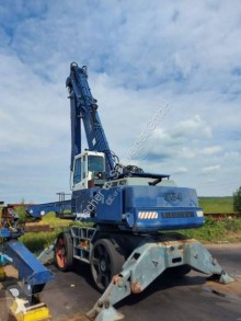 Pelle de manutention Liebherr 954