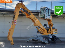 Pelle de manutention Liebherr 924
