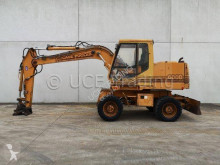 Case 668B-P excavator pe roti second-hand