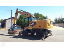 Pelle sur pneus Caterpillar CR