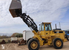 Pelle sur pneus Caterpillar IT 28 B
