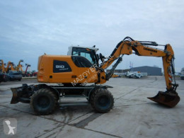 Liebherr A910 COMPACT excavator pe roti second-hand