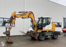 Liebherr A 910 COMPACT escavatore gommato usato