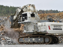 Liebherr track excavator R 9200 Electric