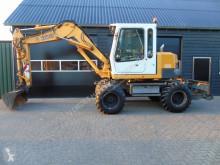 Escavatore gommato Liebherr A 308 triplegiek nette machine