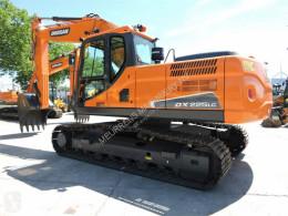 Doosan DX225LC escavatore cingolato usato