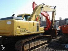 excavadora Komatsu PC200