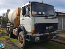 misturador / betoneira Iveco