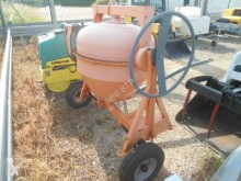 Altrad concrete mixer FT 230