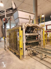 Poyatos Universal Syncro used production units for concrete products