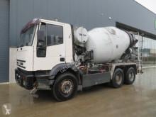 Camion béton Iveco 260E 30