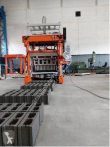 Hormigón unidad de producción de productos de hormigón Sumab E-6 - Small mobile machine. Sweden