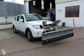 Nissan Salzstreu- und Schneefahrzeug NAVARA PICK UP
