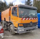 Maquinaria vial Mercedes Brock SL200/2K camión barredora usado