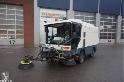Ravo 530 with 3-rd brush camion balayeuse occasion