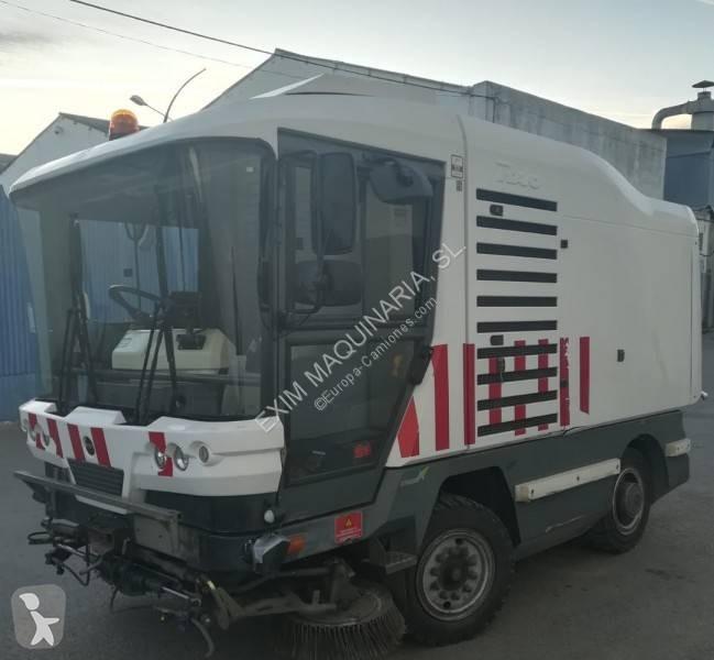 Voir les photos Engin de voirie Ravo 530 STH