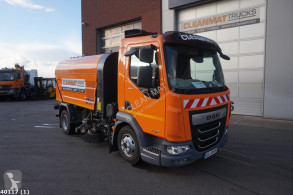 DAF road sweeper LF 180