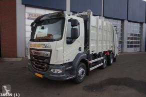 Maquinaria vial DAF LF camión volquete para residuos domésticos usado