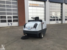 Balayeuse-nettoyeuse Nilfisk 1450 D Industrial sweeper Just 17 working hours!
