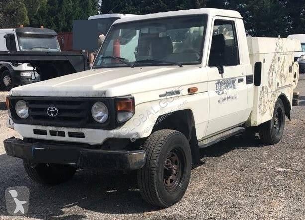 Voir les photos Engin de voirie Toyota