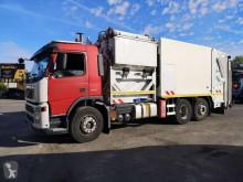 Volvo FM9 lastbil med ske til husholdningsaffald brugt