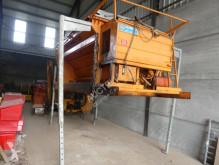 Maquinaria vial camión quitanieves con salero Acometis