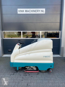 Tennant 7200 used sweeper-road sweeper
