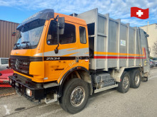 Maquinaria vial Mercedes 2534. 6x2 camión volquete para residuos domésticos usado