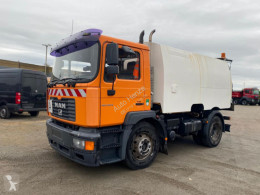 MAN road sweeper ME 18.220 4x2 Kehrmaschine Faun Viajet 6R