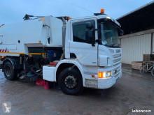 Scania P 280 camión barredora usado