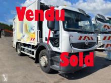 Renault Premium camion raccolta rifiuti incidentato