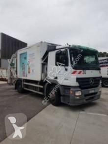 Camion benne à ordures ménagères Mercedes Actros 1832