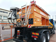 SALEUSE POIDS LOURD used gritting truck