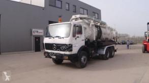 Camión limpia fosas Mercedes SK 2222