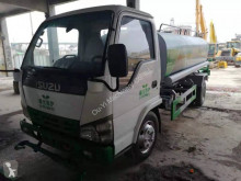 Maquinaria vial Isuzu camión limpia fosas usado