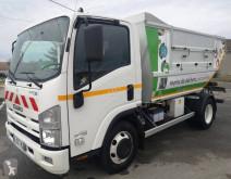 Isuzu P75 camión volquete para residuos domésticos usado