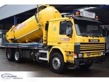 Maquinaria vial Scania P camión limpia fosas usado