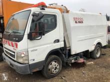 Maquinaria vial Mitsubishi Canter 7C18 camión barredora usado