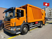 آلة لصيانة الطرق Scania p94 شاحنة قلابة للنفايات المنزلية مستعمل