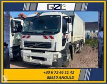 Volvo FE 320 camion benne à ordures ménagères accidenté