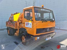 Camion-cisternă Mercedes 1114