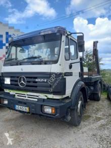 Camion benne à ordures ménagères Mercedes 1824