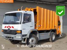 Maquinaria vial Mercedes Atego 1523 camión volquete para residuos domésticos usado
