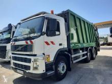 Maquinaria vial Volvo FM9 300 camión volquete para residuos domésticos usado