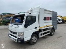 Mitsubishi Canter 3C15 geaccidenteerde vuilniswagen